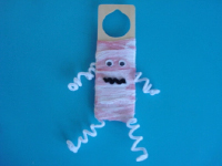 A mummy on my door-1