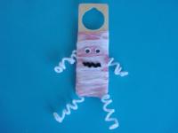 A mummy on my door-1