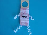 A mummy on my door-6