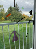 How to use window clings to create original puzzles-4