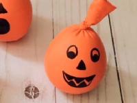 Jack-o'-lantern sensory balls-3