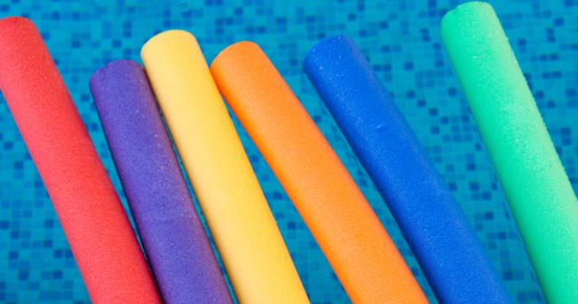 A swimming pool noodle flower - Arts and crafts - Educatall