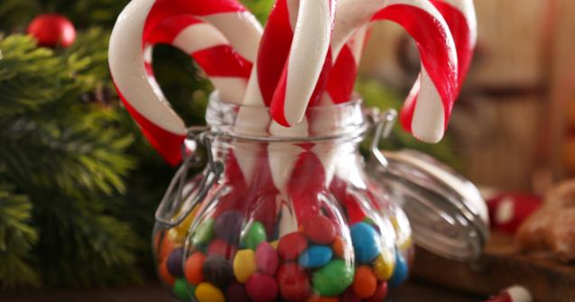 Elf-themed candy jar - Arts and crafts - Educatall