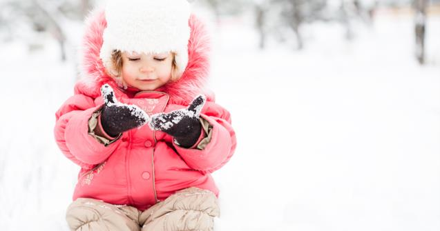 Exploring snow - Babies and toddlers - Educatall