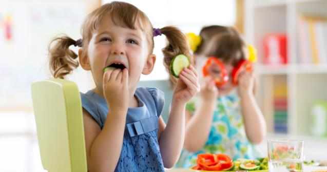How to teach a child to eat independently