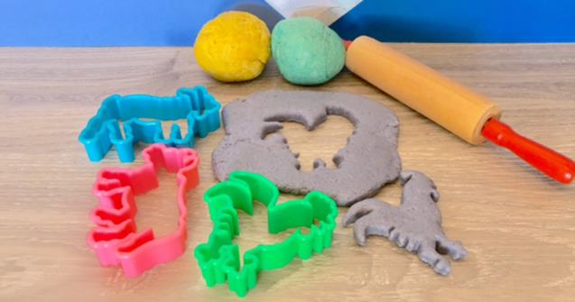 Simple edible play dough - Arts and crafts - Educatall